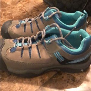 Woman's Airwalk rugged Sneakers